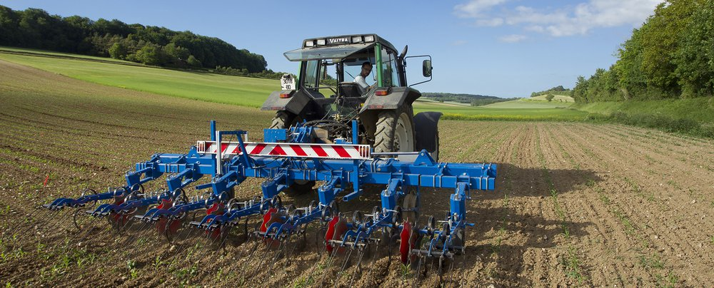 Img-mais-tracteur-etrille-Somme.jpg
